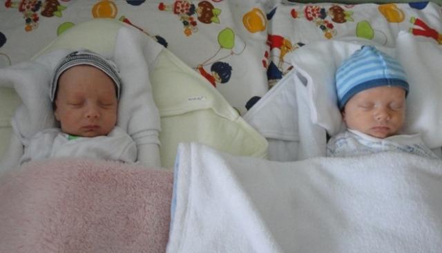 dvojičky Emka a Matejko - október 2012